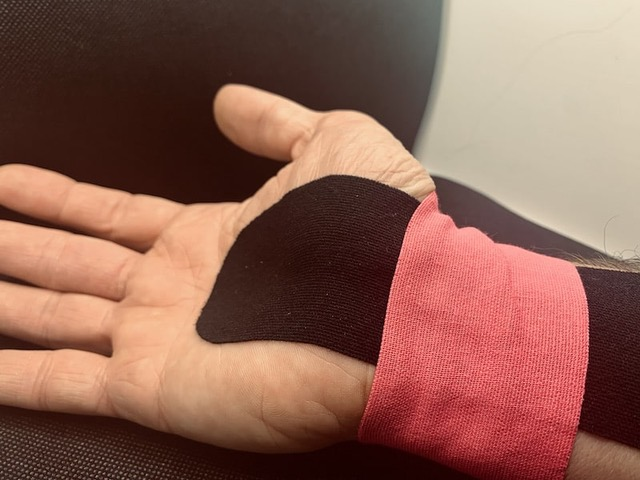 Kinesiotaping Karpaltunnel - Physiopraxis Antje Noack